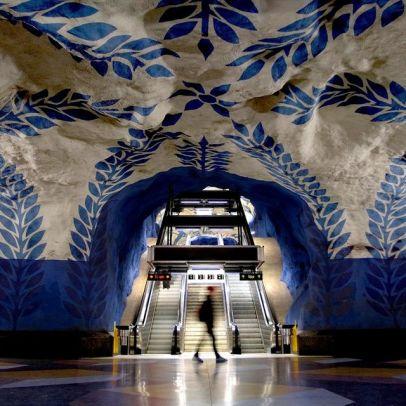 hell's mouth metro stockholm art urbain suède capitale expatriation bouche de métro surréaliste cool peinture street art underground